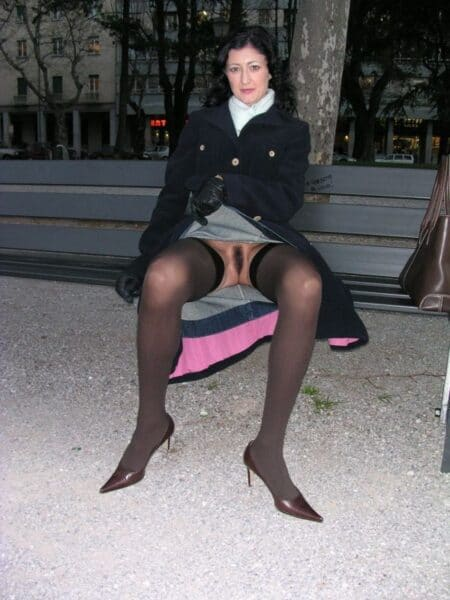 Coquine sexy soumise pour coquin domi