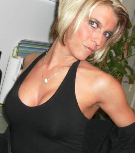 Femme infidèle sexy cherche un amant sur le 44